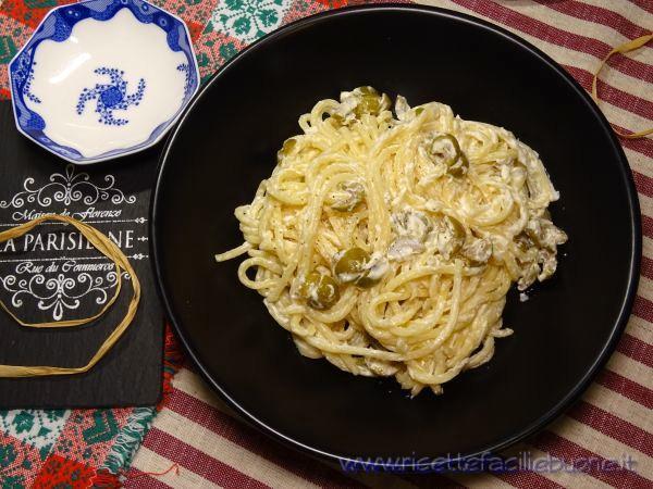 Pasta con olive e Philadelphia
